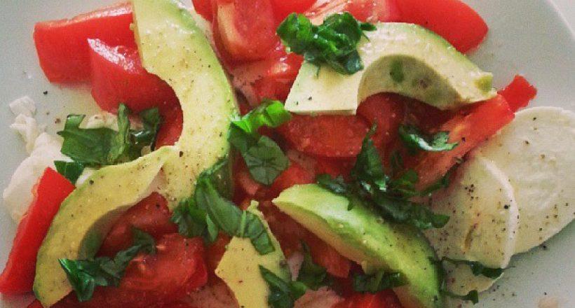Mozzarella en avocado lunch