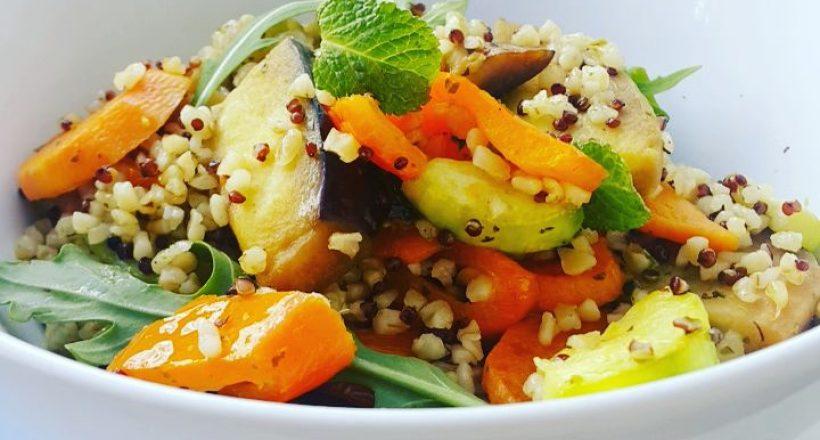 Bulgur en quinoa met warme groentes